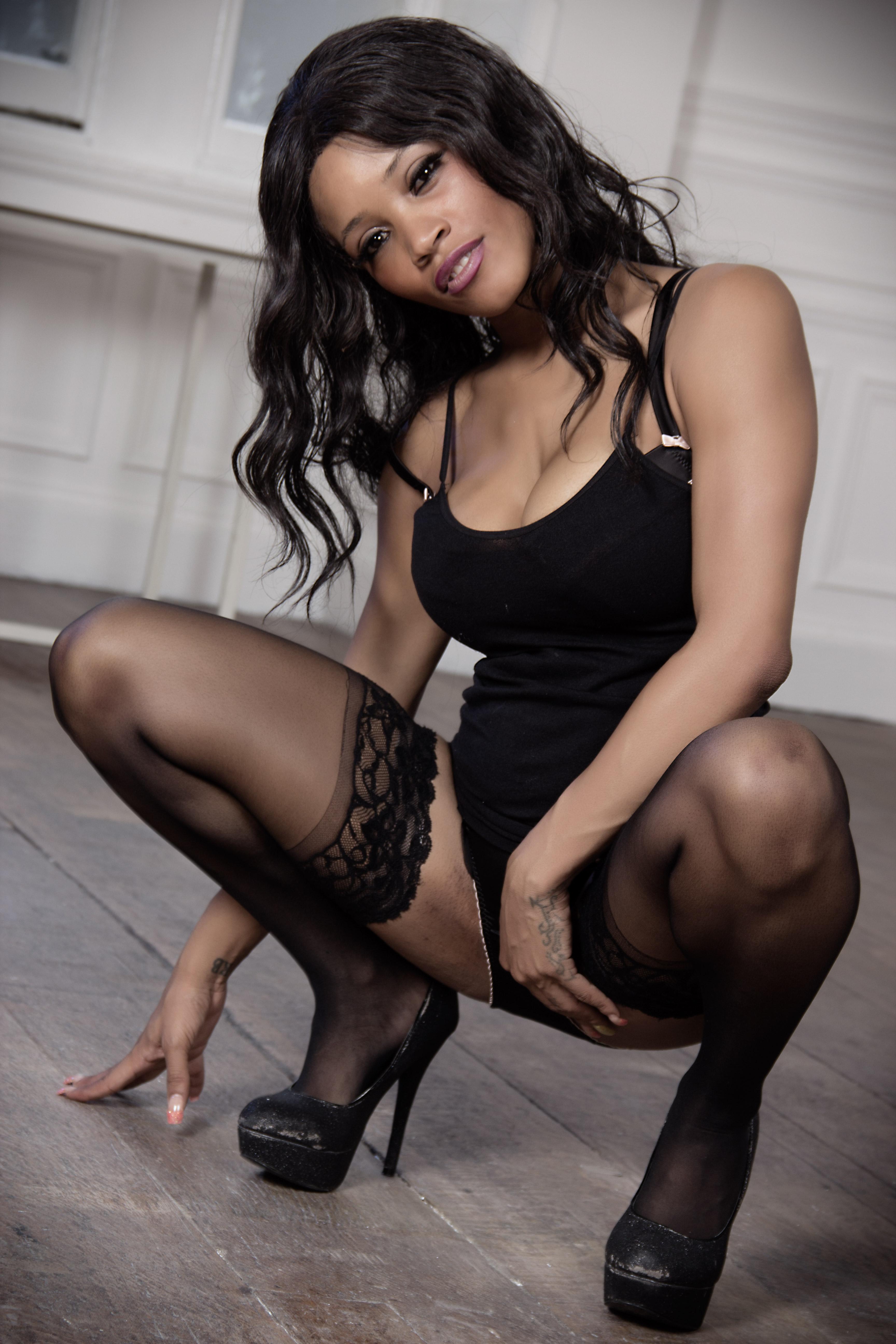 Kiki Minaj on Babestation TV