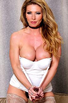 Lynda Leigh on Babestation TV